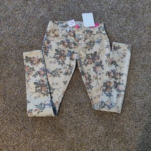 Almost Famous Cream and Floral Jeggings